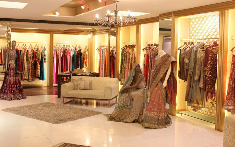 Best top 5 places to shop for wedding trousseau in new for Interior decoration market in delhi