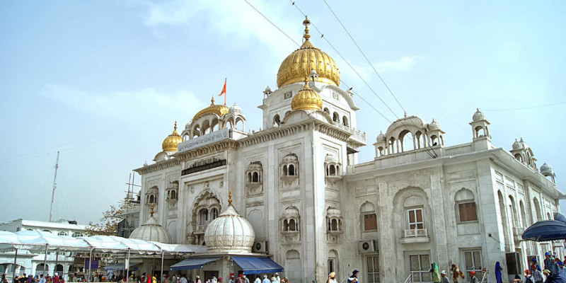 10 Historic Gurdwaras in New Delhi: Gurudwara Bangla Sahib, Gurudwara Sis Ganj Sahib & More