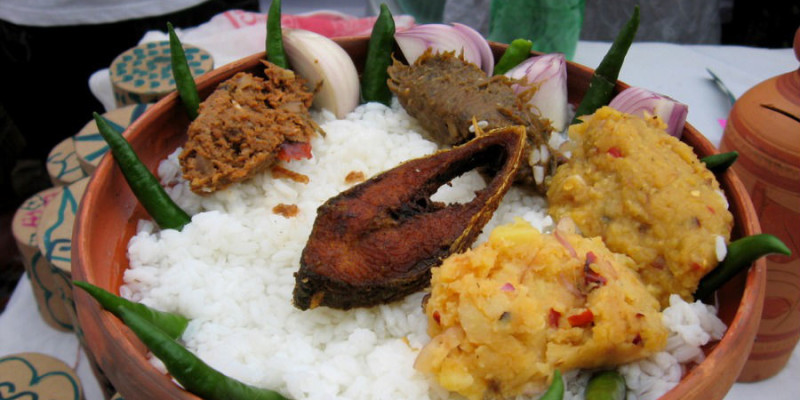 Celebrate durga pujo in delhi with traditional bengali for Authentic bengali cuisine