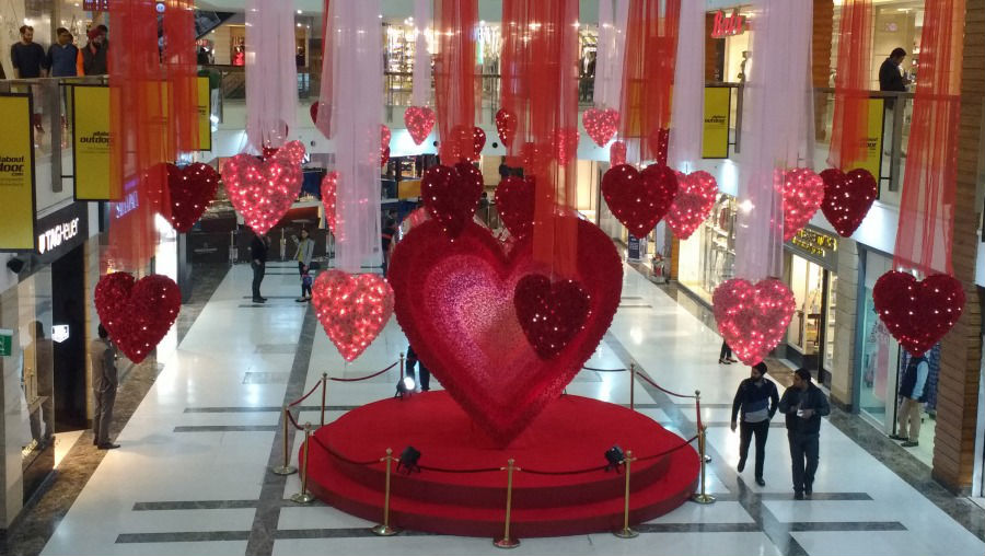 places to go on valentine's day in delhi - hangouts, Ideas