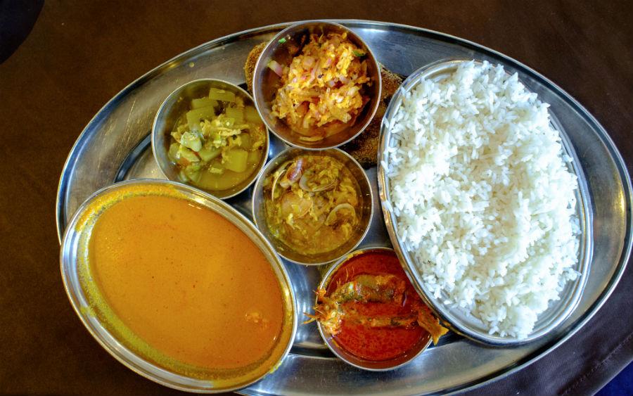 Authentic bengali cuisine 7 places in delhi for the best for Authentic bengali cuisine